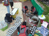 Tangkal Covid19, Mapala Pro Justicia Bagikan Minuman Jahe Merah dan Masker