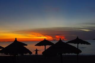 Nhatrang spiaggia di notte