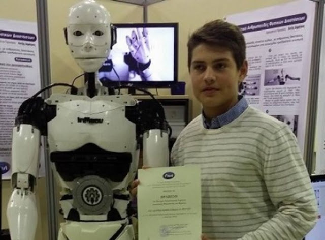 Dimitris Hatzis; 15-year-old Albanian constructs the rare robot in Greece