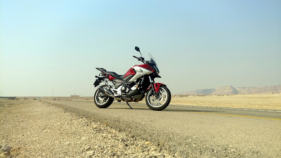 Road wallpaper, Honda, bicycle, motorcycle, side view