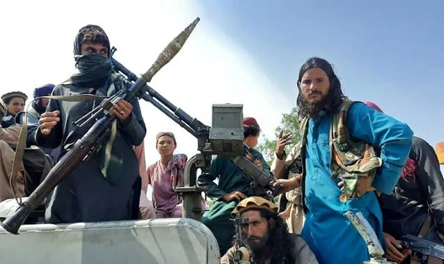 """Talibã quer impor lei islâmica """"em todo o mundo"""" e põe cristãos em risco no Afeganistão"""