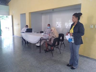Director distrito Educativo 0104 realiza encuentro con técnicos docentes; evalúa desarrollo de clase virtuales