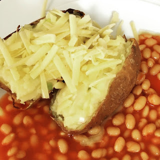 Slimming-world-baked-potato-with-spring-onion-cheese-and-baked-beans