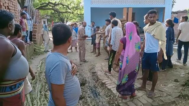 मनबढ़ ने घर में घुसकर महिला, युवक को पीटा, हालत गम्भीर   #NayaSaveraNetwork