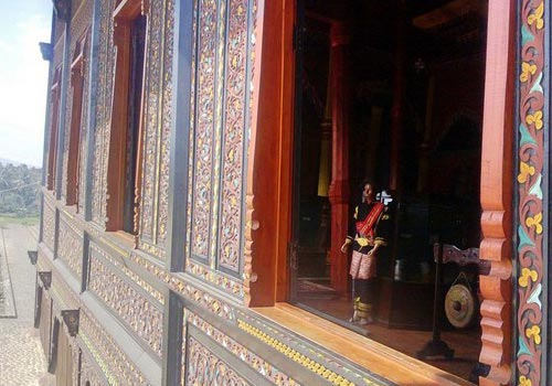 Rumah Gadang Pagaruyung palace, House stilts Minangkabau earthquake resistant