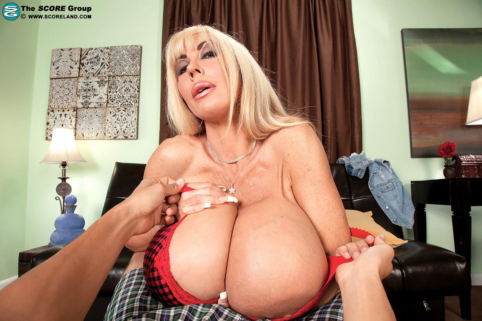 Elizabeth starr super long nails blowjob 8