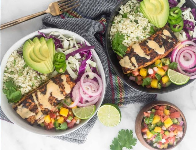 Whole30 Fish Taco Bowl #healthy #paleo