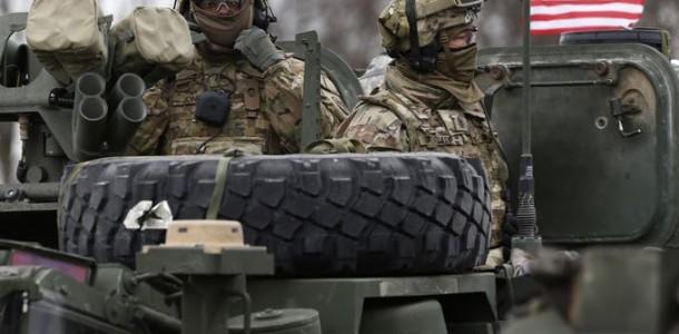 sua trimite militari