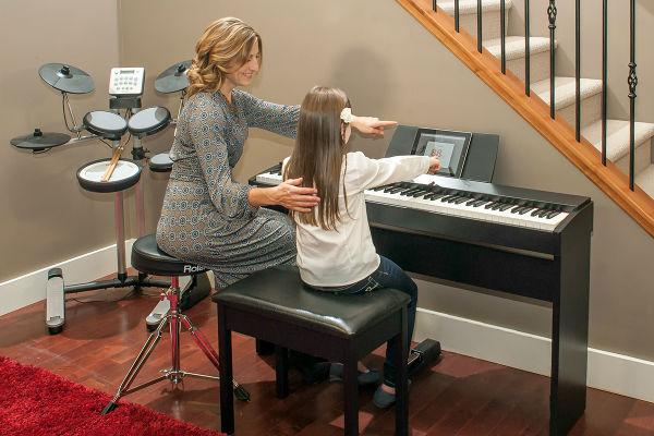 Giá Bán Cửa Đàn Piano điện Roland F-20 Hôm Nay
