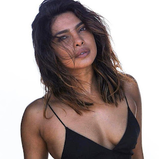 Priyanka Chopra Hot