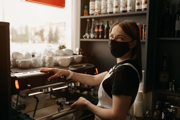 Завтра почнуть штрафувати підприємців за відсутність масок у клієнтів