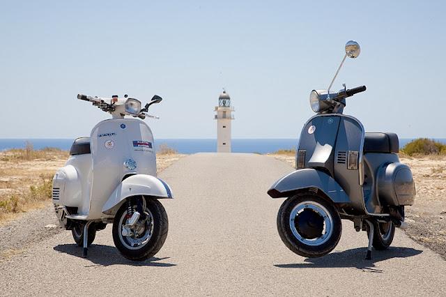 Passeio de Vespa por Ibiza