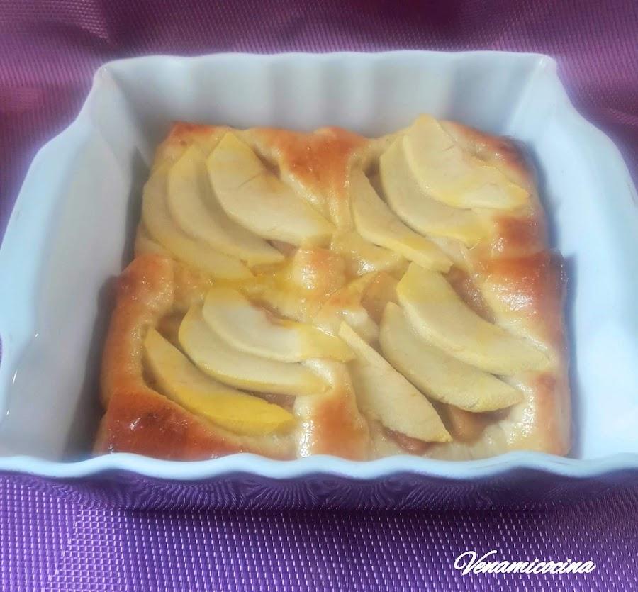 Tarta brioche de manzana