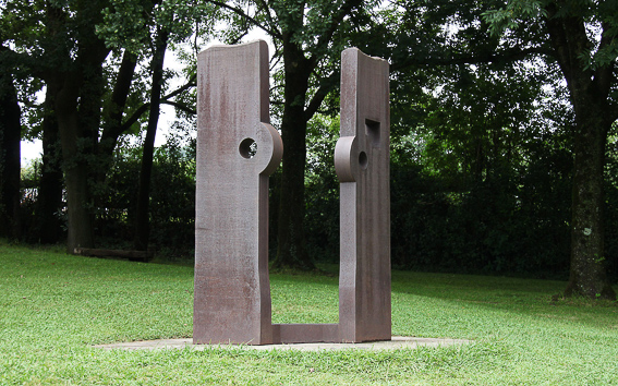 Escultura Chillida Homenaje a Balenciaga