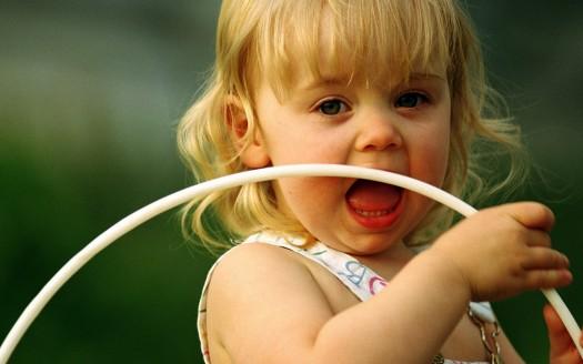 صور اطفال كيوت حلوين وجميلة جدا خلفيات اطفال للكومبيوتر رائعة ,اكبر كوليكشن صور اطفال 2017 لخلفيات شاشه الجوال وسطح المكتب