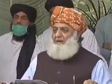 Maulvi's statement shows how worried Pakistan is about Corona