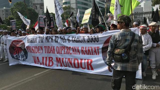 Beda dengan Demo Mahasiswa, Orator Aksi Mujahid 212 Teriak Turunkan Jokowi