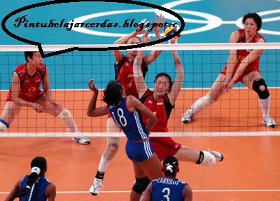 Teknik Dasar Bola Voli (Servis, Passing, Smash, dan Blocking)