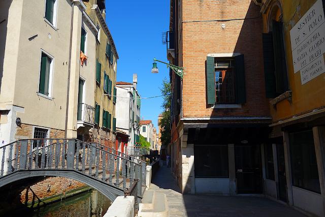 4 verze tajemné benátské legendy o ženské poctivosti, ponte de donna onesta, legenda, benátky