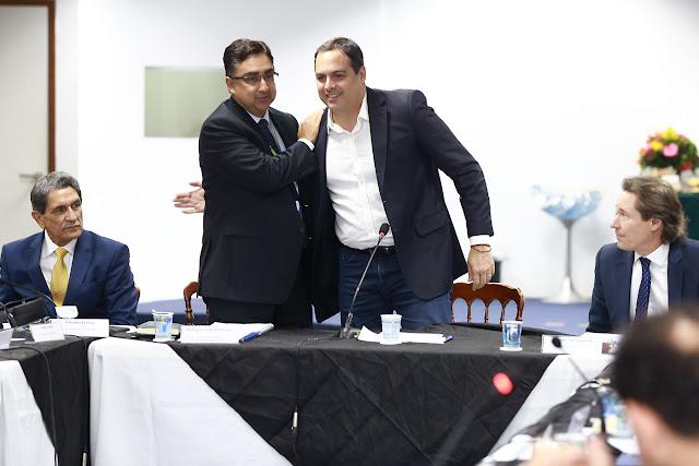Paulo Câmara participa de encontro com nova diretoria da Aesbe