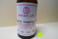 vorne: Radiant Life hochwertiges Hagebuttenöl 100% reines, natürliches und biologisches Öl, das beste Hagebuttenkernöl für Gesicht, Haut und Narben
