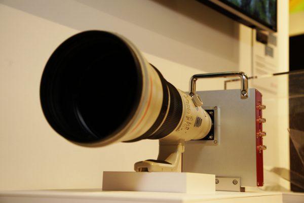 Установка Canon для демонстрации сенсора с разрешением 250 мегапикселов