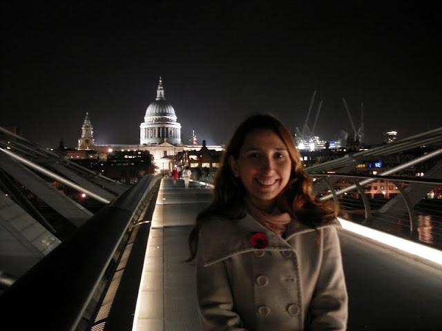 Na Ponte fo Milênio com a Saint Paul's Cathedral ao fundo