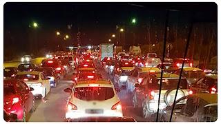 خروج عبير موسي و انصارها للاحتجاج بسيارات ضد رؤساء ثلاث.... ؟