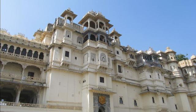 10 Best Places to Visit in Udaipur - उदयपुर में घूमने की 10 सबसे अच्छी जगह