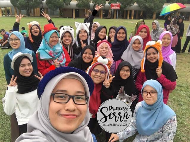 girl classmates