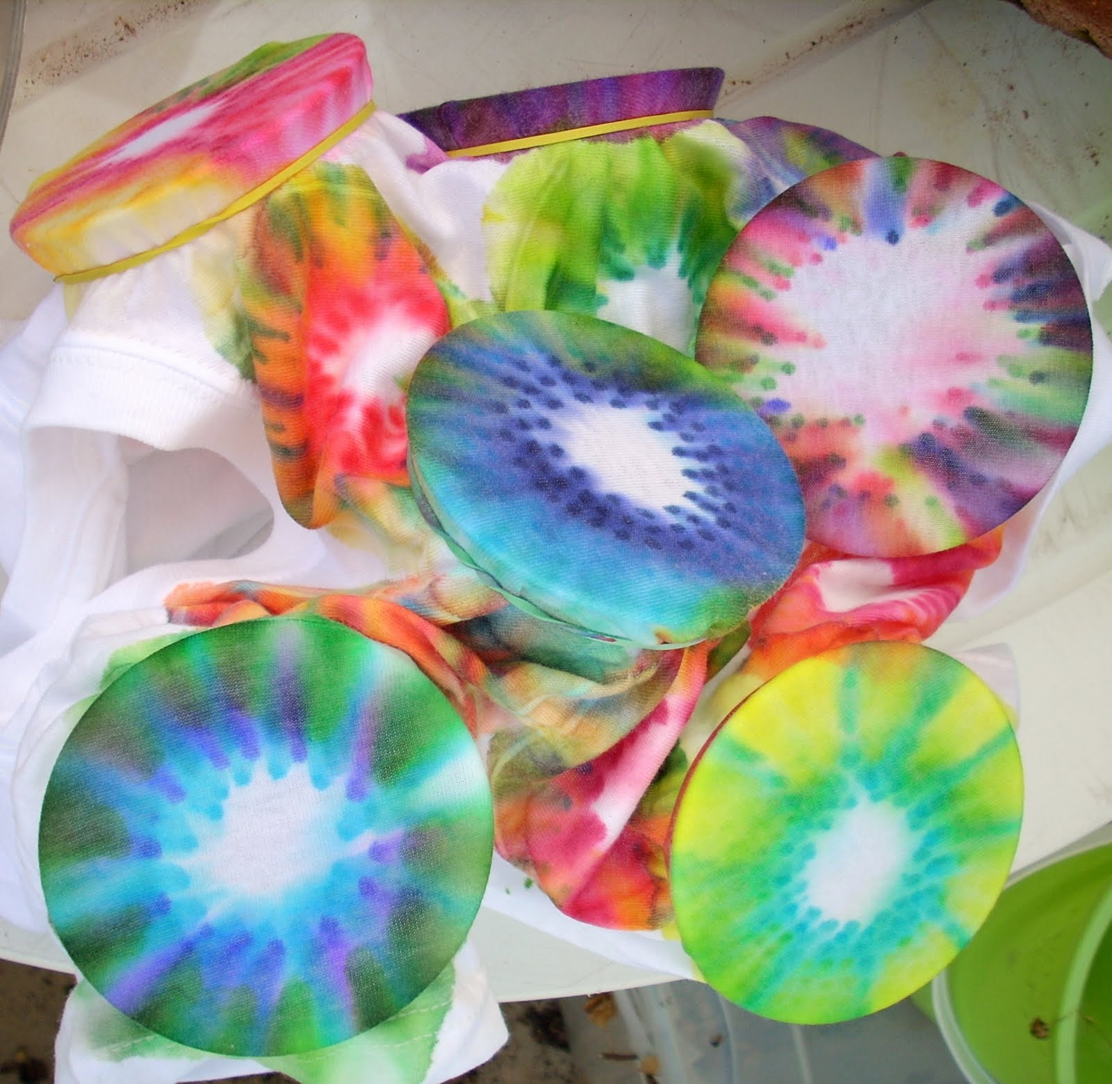 Faerie * Dust * Dreams: How To Tie Dye With Sharpie Markers
