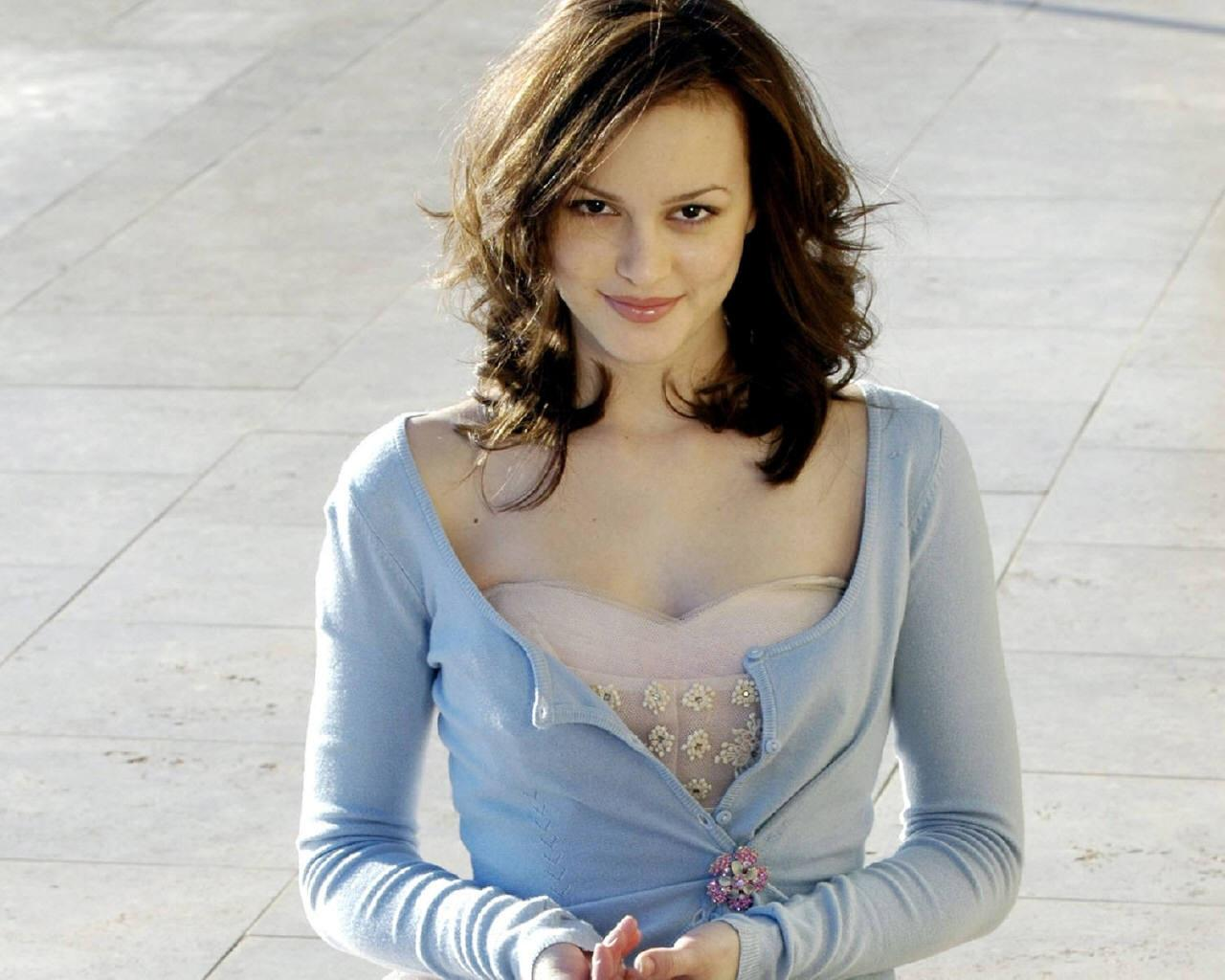 Leighton Meester naked 136