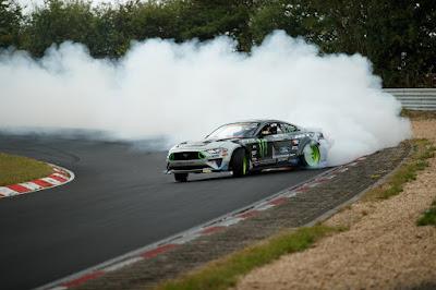 Ford Mustang RTR Ngedrif di Nurburgring