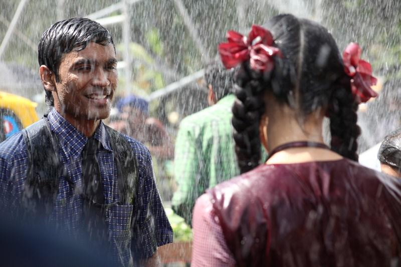 Dhanush Shruti Hassan 3 Movie Hot Stills Amazing World Gallery