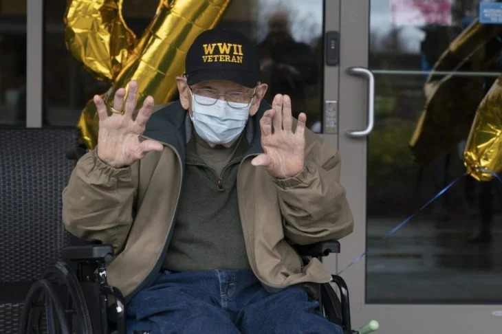 Veterano sobrevivió a la 2da Guerra Mundial y ahora a sus 104 años vence al coronavirus