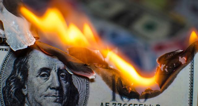 Доллар сдает позиции