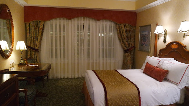 Hong Kong Disneyland Hotel Blog . Hong Kong Disneyland Hotel Reviews .