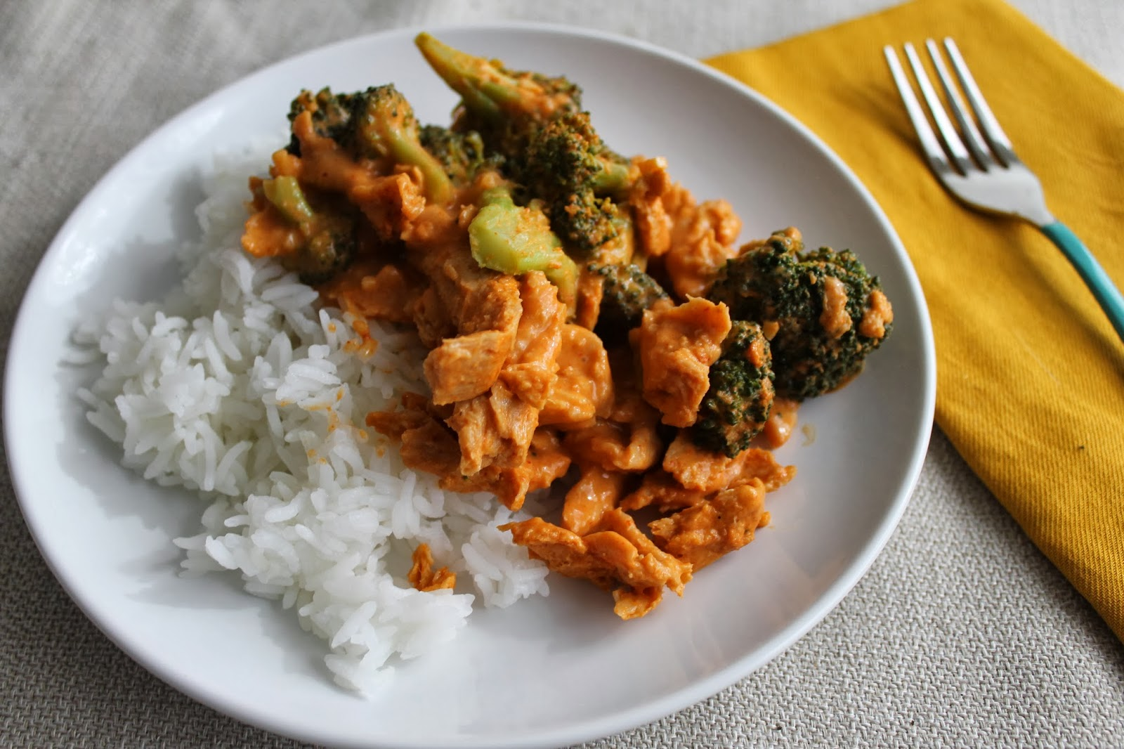 Broccoli & Soy Curl Red Curry +