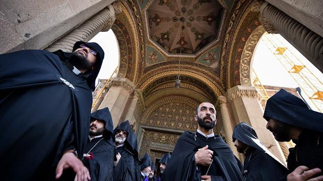 Jerusalén: la comunidad armenia vive con su vida normal