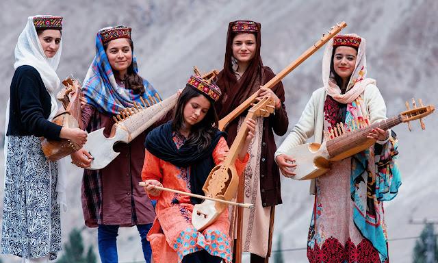 Gilgit-Biltistan songs...lovely video songs >>