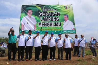 Gubernur Ridho Hijaukan Bumi Perkemahan Kotabaru