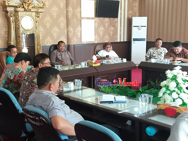 Jalan Depalan Kampung Hancur,  Hearing DPRD Bersama PTPLP-PTPN Gagal Hasilkan Kesepakatan