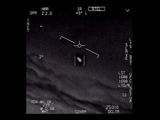 OVNIs, UAPs - o que quer que os chamemos, por que presumimos que objetos voadores misteriosos são extraterrestres?