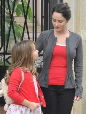 A vida da gente Ana e julia com roupas vermelhas