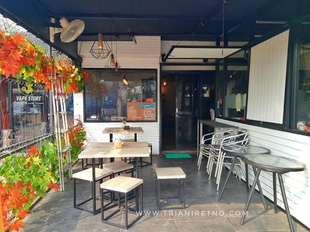 coffee shop di pondok indah jakarta selatan