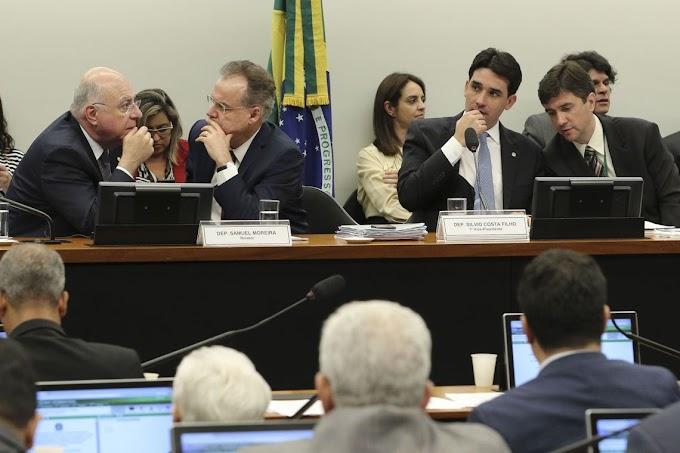 Novo relatório da reforma da Previdência mantém economia de R$ 1 trilhão
