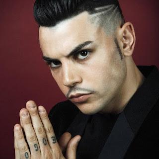 Izi è uno dei rapper più influenti e forti della scena rap italiana