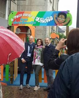 http://www.ossolanews.it/ossola-news/inaugurato-il-parco-giochi-del-centro-famigliare-intitolato-alla-piccola-aurora-laurini-2197.html