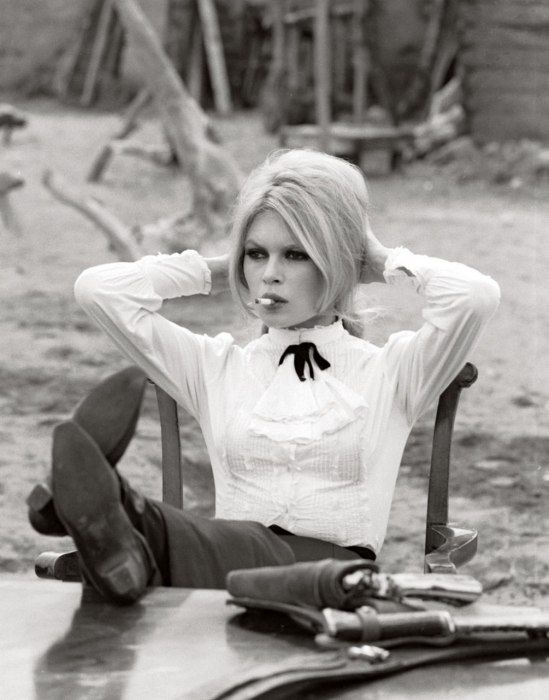 Brigitte Bardot movieloversreviews.filminspector.com