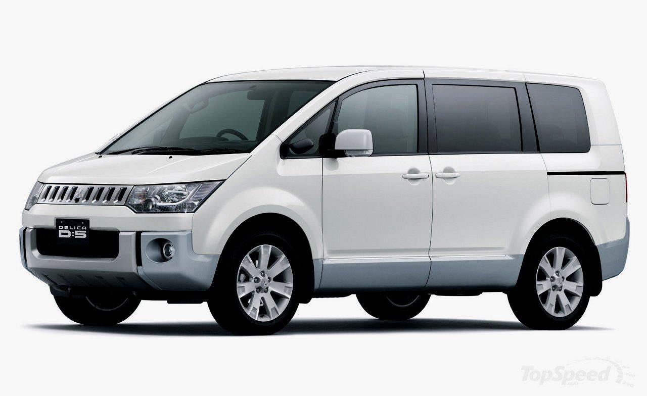 2013 Mitsubishi Delica Deluxe